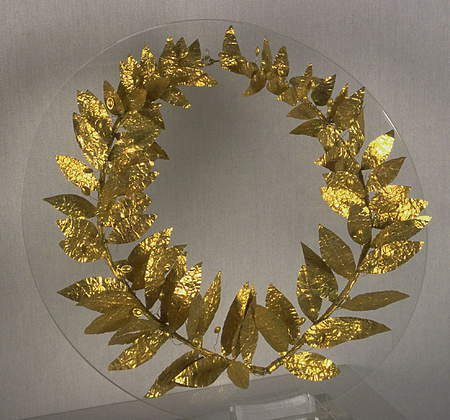 Golden wreath of laurels
