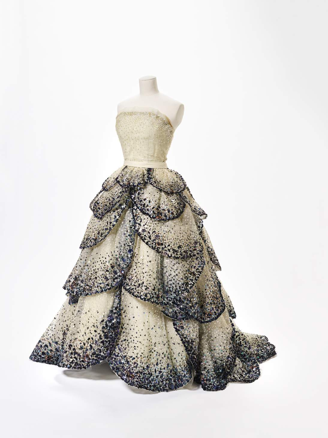 """Christian Dior, Evening dress, """"Junon,"""" Fall‒Winter, 1949. France. Silk tulle with sequin embroidery, silk gros de Tours, and horsehair stiffening. Fine Arts Museums of San Francisco, Gift of I. Magnin & Company, 49.25.2a‒b"""
