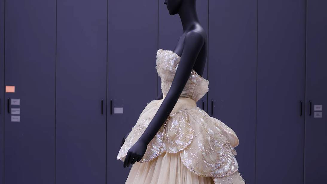 """""""Venus"""" by Christian Dior: The Journey of a Dress"""